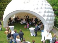 Inflatable golf ball reception